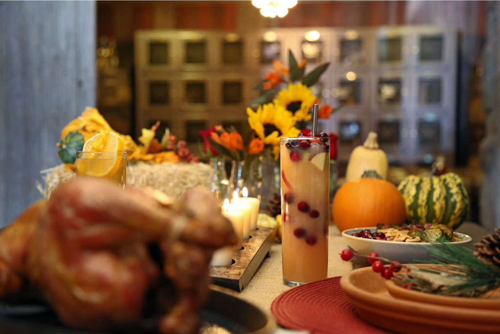 6 Thanksgiving Cocktail and Dish Pairings